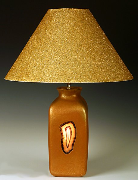 Table lamp with agate